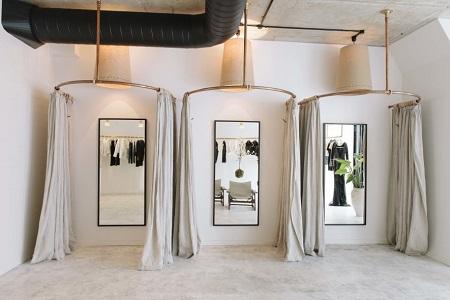 5 star plus retail design for Boutique room design